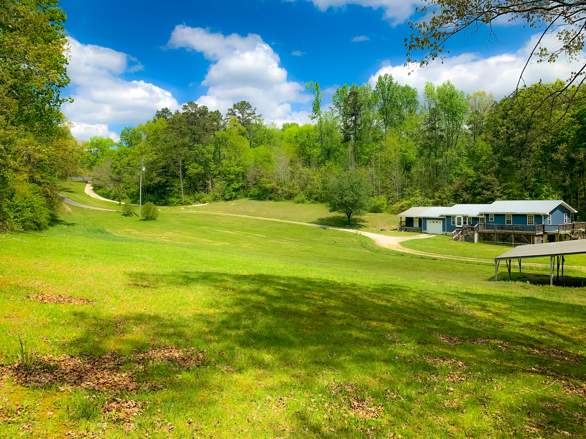 11 Acres of Privacy For Sale in Hixson, Tennessee